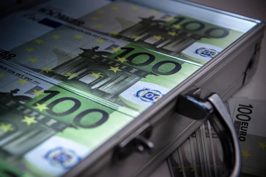 Cómo denunciar un préstamo Microbank