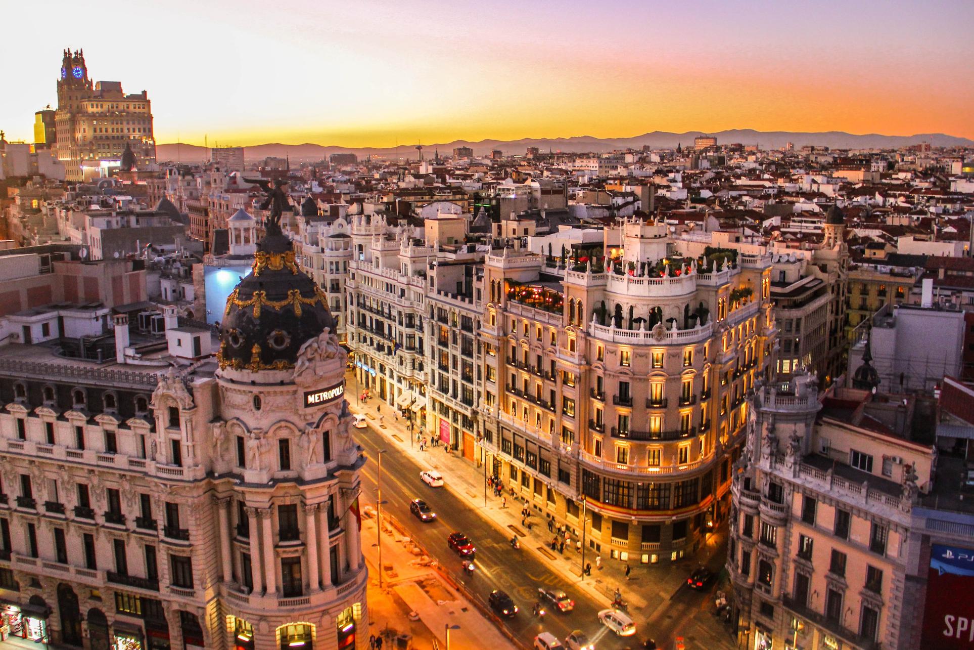 ¿Cuál es la Dirección de ASNEF en Madrid?